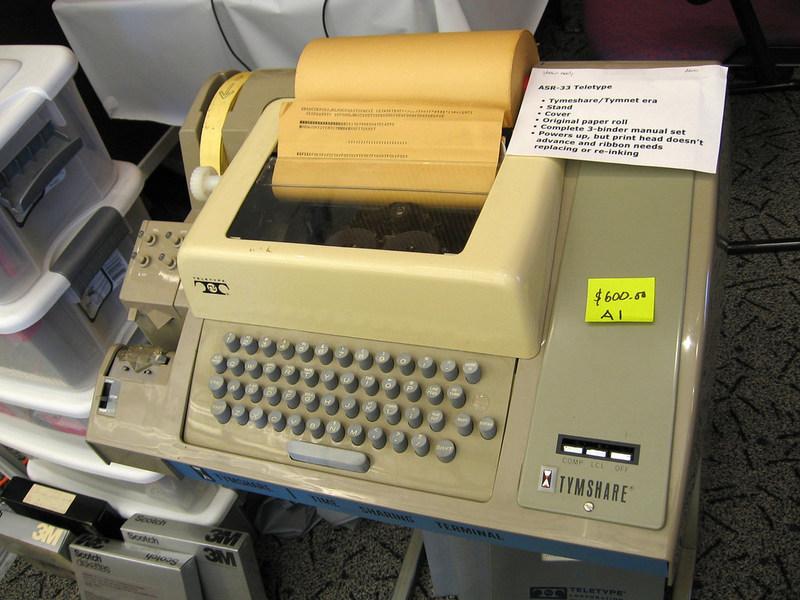 ASR-33 电传打字机